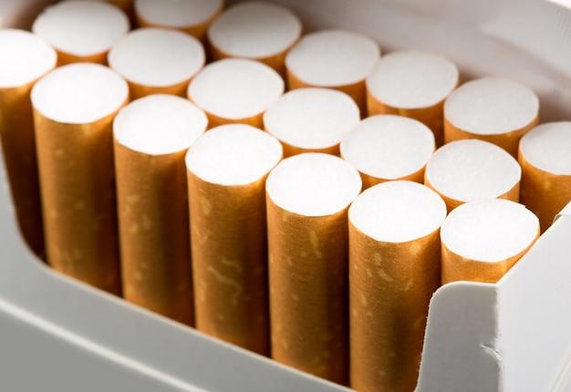 パックのタバコ Premium写真