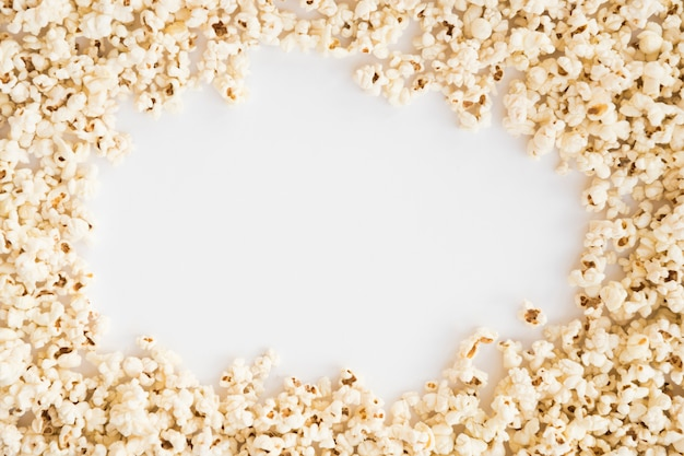 Cinema concept with popcorn background Free Photo