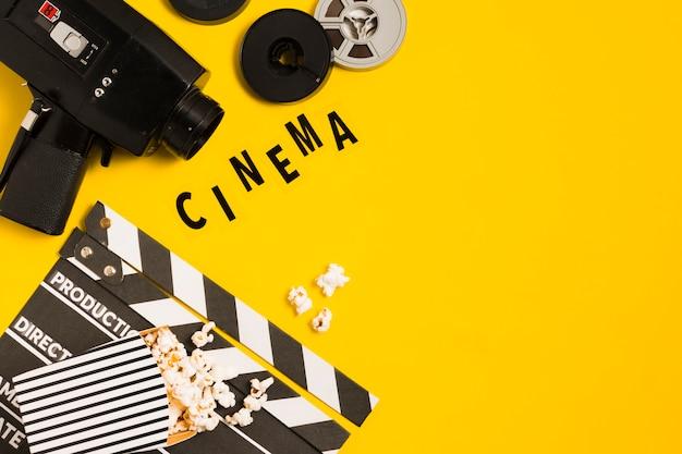 Attrezzatura cinematografica con copia-spazio Foto Gratuite