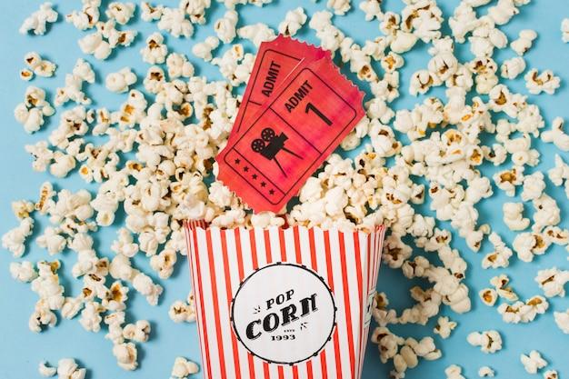 Билеты в кино и попкорн Бесплатные Фотографии