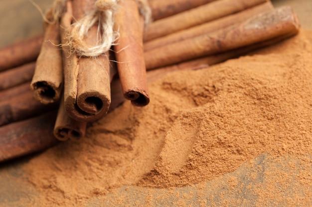 Cinnamon sticks Premium Photo