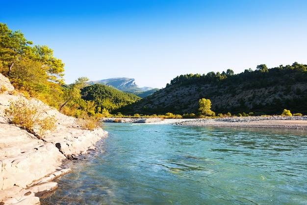 Река горы. cinqueta Бесплатные Фотографии