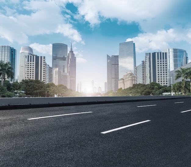 도시와 푸른 하늘 무료 사진