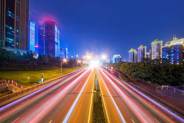 City nightによるモーションスピード効果 無料写真