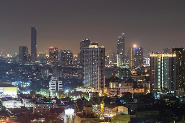Cityscape of building at night. Premium Photo