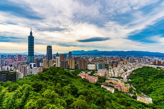 Cityscape of taipei, taiwan Premium Photo