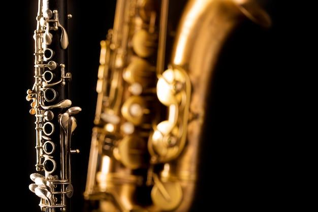 Классическая музыка саксофон саксофон и кларнет черного цвета Premium Фотографии