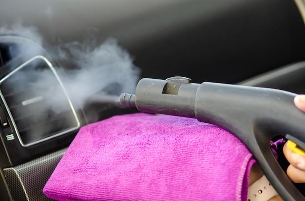 Cleaning of car air conditioner Premium Photo