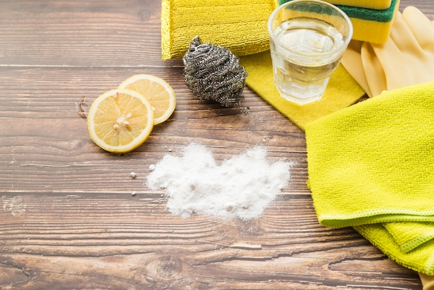Cleaning concept with soda Free Photo