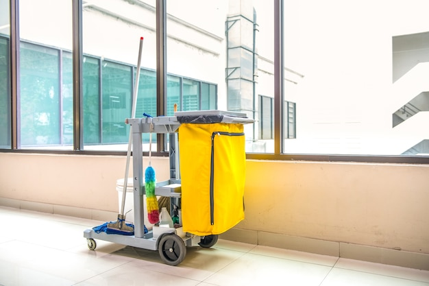 Cleaning tools cart wait for cleaning Premium Photo