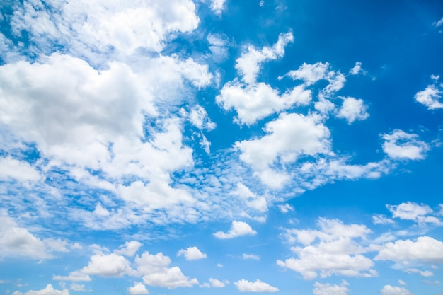 Clear blue sky with clouds Premium Photo
