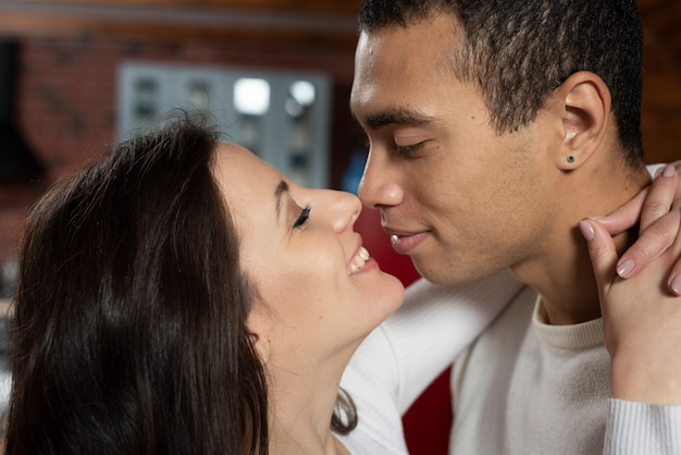 Close-up adorable couple in love Free Photo