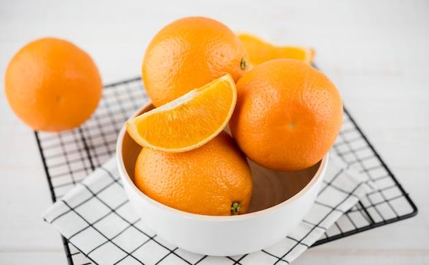 Макро ассортимент органических апельсинов Premium Фотографии