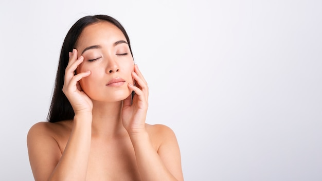 Close-up beautiful asian model posing Free Photo