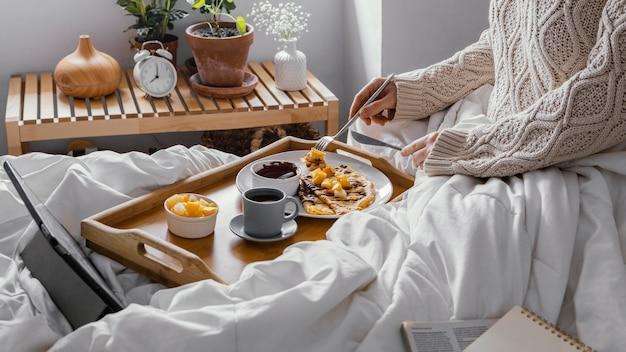 Завтрак крупным планом с блинами Бесплатные Фотографии