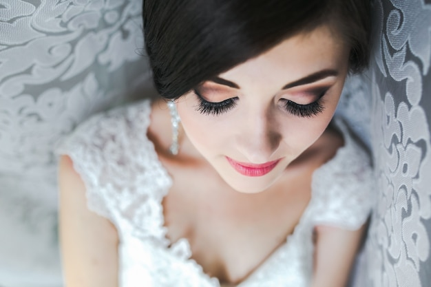 Close-up of bride prepared for her big day Free Photo