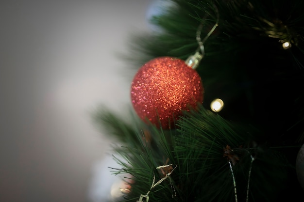 Close-up christmas tree decorations Free Photo
