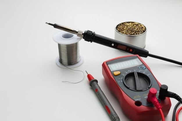 Close-up circuit reparing tool Free Photo