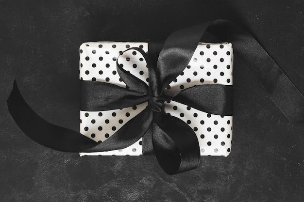 Close-up of gift box with ribbon Free Photo