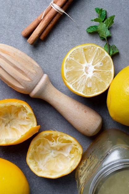 Close-up homemade lemonade with cinnamon sticks Free Photo