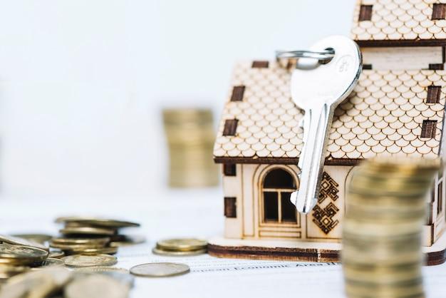 Close-up key on toy house Free Photo
