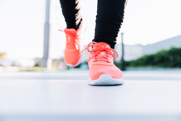 Close-up legs in sneakers Free Photo