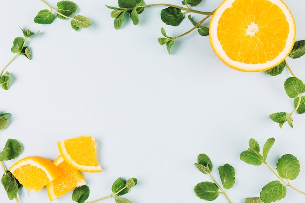 Close-up lemon and mint frame Free Photo