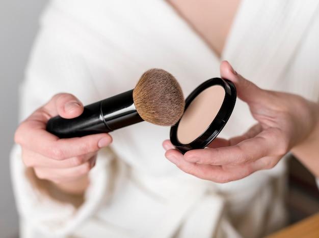 Close-up make up powder Free Photo
