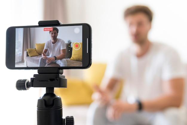 Close-up mobile mobile phone recording blogger Premium Photo