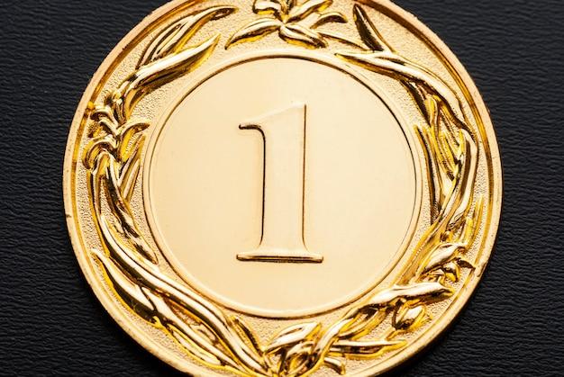 黄金メダルのクローズアップ Premium写真