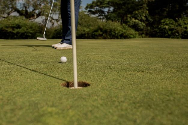 골프 구멍의 클로즈업입니다. 발리. 인도네시아. 무료 사진