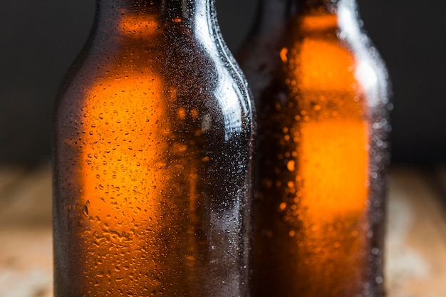 ビアグラスのボトルのクローズアップ 無料写真