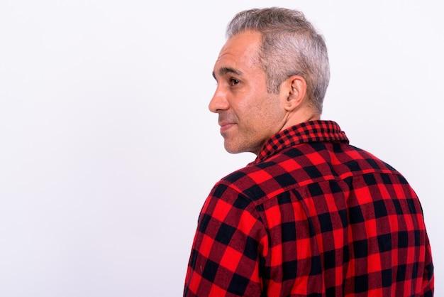고립 된 잘 생긴 페르시아 남자의 클로즈업 프리미엄 사진