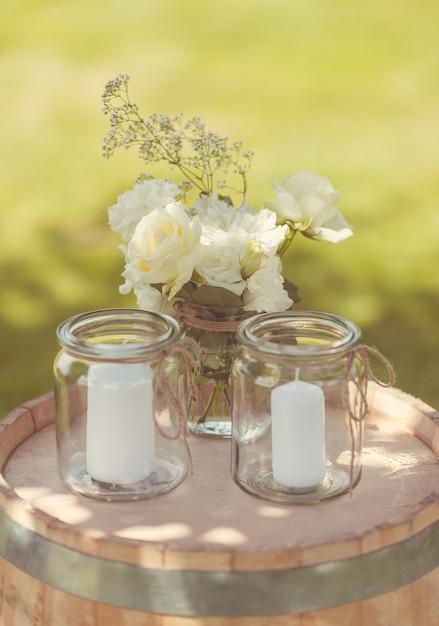 Заделывают прекрасных свечей в банках Бесплатные Фотографии