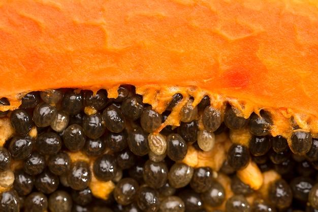 Крупный план папайи черных семян Бесплатные Фотографии