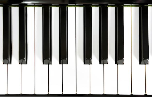 피아노 건반의 클로즈업 무료 사진