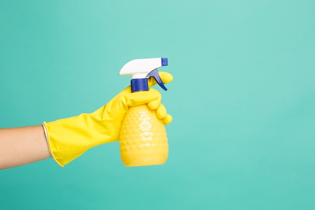Close up picture of a house-cleaning spray Free Photo