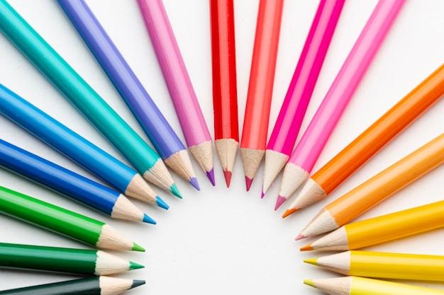 Close-up rainbow colors pencils Free Photo