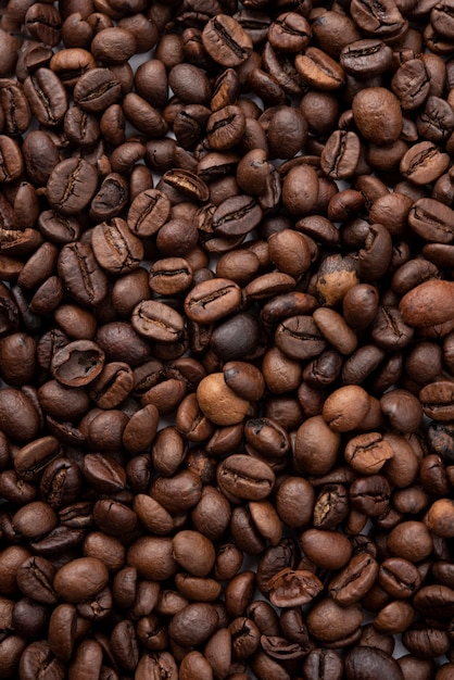 Close-up roasted coffee beans Free Photo