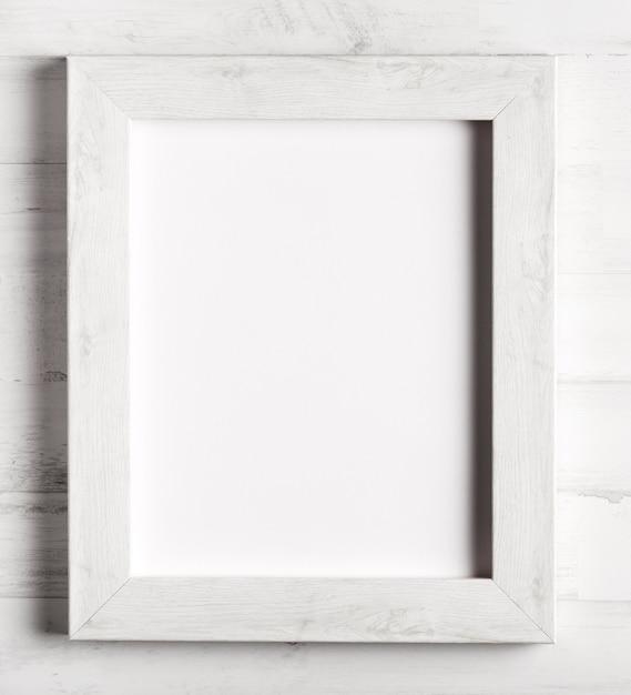Primo piano a semplice cornice di legno Foto Gratuite