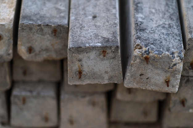 Крупным планом стека сборных железобетонных плит фона Premium Фотографии