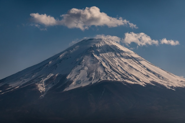 Close up top of fuji mountain with snow cover on the top with could, fujisan Premium Photo