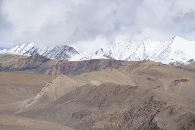 Close up top of mountains, himalaya range, jammu & kashmir,  india, Premium Photo