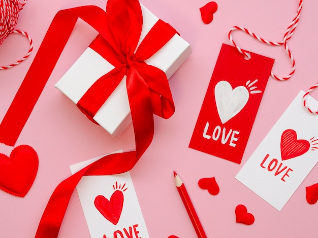 Close up valentine tags and presents Free Photo