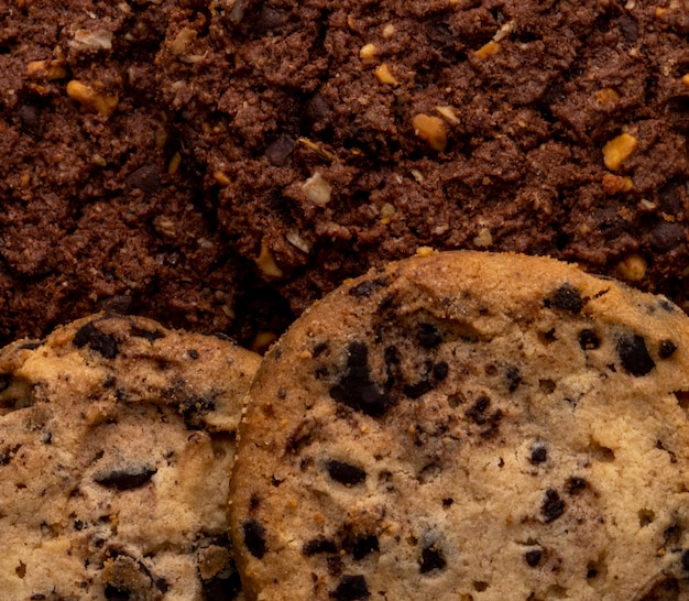 Close up view of chocolate chip cookies with cereals nuts and cocoa Free Photo