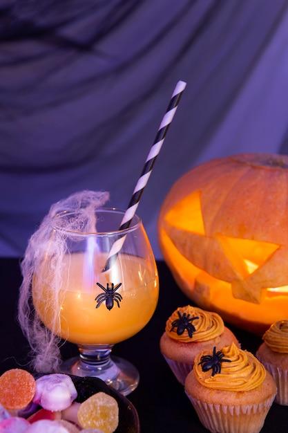 Vista ravvicinata del concetto di zucca di halloween Foto Gratuite
