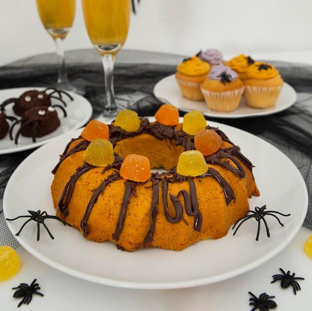 Крупным планом вид вкусного торта на хэллоуин Premium Фотографии