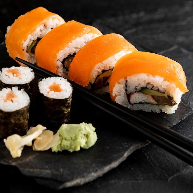 美味しいお寿司のコンセプトのクローズアップビュー 無料写真