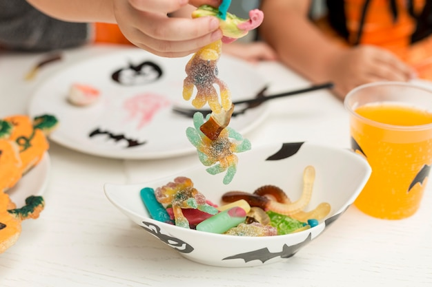 Крупным планом вид конфет на хэллоуин Бесплатные Фотографии