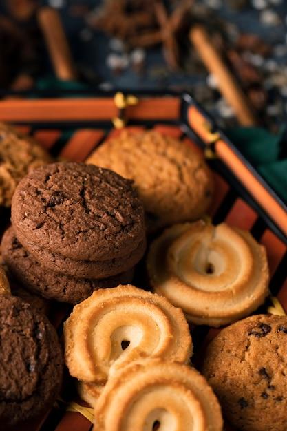 Close-up view tea cookies Free Photo